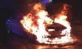บีเอ็มดับบลิวไฟลุก! หนุ่มนักศึกษาพุ่งตัวออกจากรถหนีตาย ก่อนเพลิงเผาวอดทั้งคัน