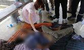 ซดเหล้าท้าลมร้อน-พบศพชายเร่ร่อนนอนตายคาศาลา คาดติดเหล้าน็อกเสียชีวิต