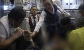 """ขอคารวะ! หมอจีนใช้ปาก """"ดูดปัสสาวะ"""" ช่วยชีวิตชายชราเสี่ยงตายกลางเที่ยวบิน"""