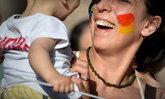 คู่รัก LGBTQ อังกฤษเปิดรับอุปการะลูกบุญธรรม เพิ่มสูงขึ้นเป็นประวัติการณ์