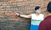 ตร.เชียงใหม่ตะครุบได้ทันควัน หนุ่มอังกฤษพ่นคำแสลงกำแพงประตูท่าแพ