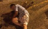 """ผัวกอดศพร้องไห้ รถแหกโค้งชนแท่งปูนเมียดับสยอง """"ศีรษะ"""" กระเด็นหาย"""