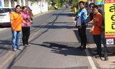 ชาวบ้านมุกดาหารโวย ถนนเป็นหลุมยุบ-สัญจรไปมาลำบาก วอนหน่วยงานซ่อมแซมด่วน
