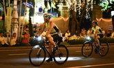 """สมเด็จพระเจ้าอยู่หัว ทรงนำปั่นจักรยาน """"Bike อุ่นไอรัก"""" (ประมวลภาพ)"""