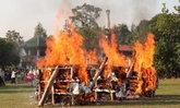 """น้ำตาท่วมวัด เผาเหยื่อฆ่ายกครัว 5 ศพ น้องเมียยันครอบครัวไม่ได้ฮุบสมบัติ """"ไอ้ปุ๊"""""""