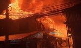 ด่วน! ไฟไหม้บ้านเรือนประชาชนในซอยเชิดวุฒากาศ 7 ย่านดอนเมือง