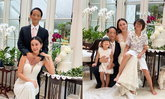 """""""นาเดีย"""" ถ่ายรูปครอบครัวสุดอบอุ่นที่บ้าน ฉลองครบรอบแต่งงาน 10 ปี"""