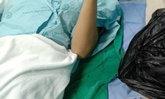 สาวโรงงานคลอดลูกในห้องน้ำ ใช้ถุงเท้ารัดคอเด็กจนตาย ผงะ หิ้วถุงดำไป รพ.ด้วย