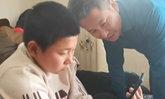 พลังโซเชียล คุณพ่อชาวจีนได้ลูกชายคืนอ้อมอก ถูกลักพาตัวไปนาน 10 ปี (มีคลิป)