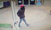 ล่าโจรควงปืนบุกเดี่ยวจี้ธนาคารดังกลางห้าง ชิงเงิน 9 แสน หลบหนี (มีคลิป)