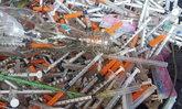 ชาวสัตหีบผวา เข็มฉีดยาลอยเกลื่อนทะเลกว่า 500 ชิ้น หวั่นเป็นขยะติดเชื้อ
