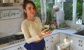 """ส่องวันว่าง """"ปาล์มมี่"""" เปิดห้องครัวสุดสวย โชว์เมนูเด็ดความเป็นแม่ศรีเรือน"""