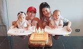 """""""มาร์กี้"""" ทำเค้กเป็นของขวัญวันเกิดปีแรกให้ลูกแฝด """"มีก้า-มีญ่า"""" ฉลองอบอุ่นที่บ้าน"""