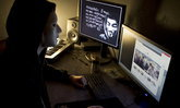 """Anonymous"" เจาะวิทยุตำรวจชิคาโก ยืนยันอยู่ข้างผู้ประท้วงกรณี ""จอร์จ ฟลอยด์"""