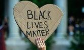 """75 เครือข่าย LGBTQ+ เคลื่อนไหว """"Black Lives Matter"""" ในสหรัฐฯ"""