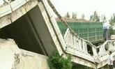รถบรรทุกน้ำหนักเกินทำให้สะพานหักในประเทศจีน