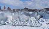 หนาวสุดขั้ว! น้ำตกไนแองการ่า กลายเป็นน้ำแข็ง