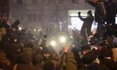 ยูเครนชุมนุมใหญ่ขับไล่รัฐบาล ให้เวลายุบสภา 48 ชม.