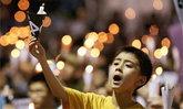 """ชาวฮ่องกงนับแสนร่วมพิธีรำลึก 25 ปี """"เทียนอันเหมิน"""""""