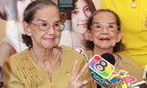 """""""คุณยายมารศรี"""" นักแสดงอาวุโส ปลื้มลูกหลานเซอร์ไพรส์วันเกิดอายุ 93 ปี"""