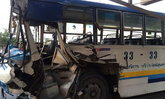 ระทึก! รถเมล์สาย 33 ชนท้ายรถพ่วง ผู้โดยสารเจ็บ 12
