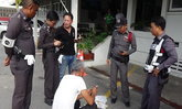 ประจวบฯ-รวบตำรวจเก๊ตั้งด่านลอยรีดไถชาวบ้าน