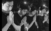 """แซม ยุรนันท์ พร้อมครอบครัว อธิษฐานจิต """"จะขอเป็นข้ารองพระบาททุกชาติไป"""""""