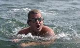นักว่ายน้ำอังกฤษสร้างสถิติว่ายข้ามมหาสมุทรแอตแลนติก