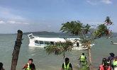 เรือนำเที่ยวล่มกลางทะเลชุมพร45คนจม-ไร้เจ็บตาย