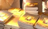 ปชช.ต่อแถวรับหนังสือพระราชกรณียกิจในหลวงร.9ล้น