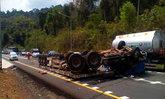 รถบรรทุกน้ำกรดคว่ำขวาง ถ.304 โคราช บาดเจ็บ 1