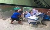 สุดผวา! จนท.โรงพยาบาลรัฐ ร้องสื่อ ถูกญาติผู้ป่วยตบศีรษะขณะปฏิบัติหน้าที่ หวั่นถูกทำร้ายซ้ำ