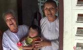 แม่ชีอึ้ง ผัวเมียอุ้มลูกสาว 1 ขวบทิ้งวัด บอกมีเงินแล้วจะมารับ
