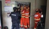 สลด! หนุ่มช่างซ่อมลิฟต์ชาวจีนพลาดถูกหนีบดับสยอง