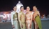 งามอย่างไทย ดาราตัวแม่ร่วมเดินแบบ 8 ชุดไทยพระราชนิยม