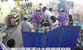 หมอจีนยื้อชีวิตผู้ป่วย แต่ญาติเอาเรื่องเพราะหมอทำเงินหาย