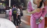 หนุ่มจีนขี่ จยย.ฝ่าไฟแดงชนเก๋ง ทิ้งแฟนเจ็บชิ่งหนีไปคนเดียว