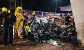 แท็กซี่หลับใน พุ่งชนตอม่อใต้ทางด่วนศรีรัช ตาย 2 ศพ