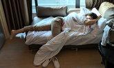 แอน นอนเฝ้าข้างเตียง เอ ทินพันธ์ ผ่าตัดใหญ่ มีความป่วนเบาๆ