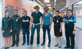 สื่อนอกตีข่าว หนุ่มคู่รักโชว์ก้นกลางวัดอรุณ โดนจับคาสนามบิน