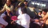 รถรับส่งนักเรียนลาว คว่ำเสียชีวิต 2 ศพ เจ็บระนาวกว่า 20 คน