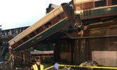 รถไฟแอมแทร็กของสหรัฐฯ ตกราง ดับแล้ว 6 ศพ เจ็บอีกอื้อ
