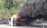 รถบรรทุกน้ำมันกว่า 4 หมื่นลิตร พลิกคว่ำที่แพร่ คนขับถูกไฟคลอกดับ