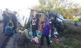รถทัวร์ไปน่านพลิกคว่ำ ชนต้นไม้ดับ 2 ศพ ผู้โดยสารเจ็บระนาว