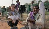 แอน ทองประสม เที่ยวอินเดียแบบลุยๆ ใจกล้าถืองูเห่าแผ่แม่เบี้ย