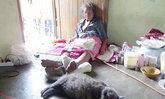 แม่เฒ่าป่วยมะเร็งยิ้มออก ลูกสาวที่หายไป 1 ปี ติดต่อกลับมาแล้ว