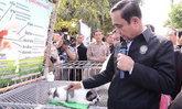 ร้อง ป.ป.ช. สอบนายกฯ ซื้อลูกหมาบางแก้วเป็นของขวัญ เกิน 3 พันบาท