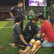 อุทาหรณ์หนุ่มโหมเล่นฟุตบอลช็อก กู้ภัยฯรุดช่วยเหลือ