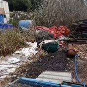 1-ชาวบ้านหนีตายอลหม่านร้านของเก่าเจาะถังเคมีในป่าหญ้าใกล้หมู่บ้านหามชาวบ้านส่งโรงพยาบาลกว่า 10 ราย