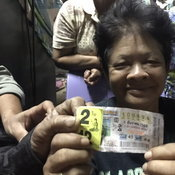 เศรษฐีใหม่ชัยภูมิ ถูกรางวัลที่ 1 สองคนซ้อน รับทรัพย์คนละ 6 ล้านบาท